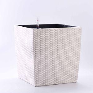 小型白色方形藤编花盆