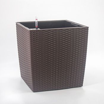 小型黑色方形藤编花盆